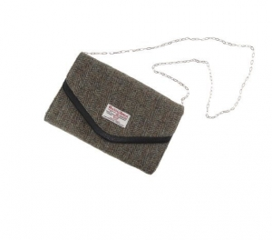 43d220e146d9 Check out the new stock of handbags and wallets in our online shop. Hot off  the plane from Scotland. 100% pure Harris Tweed